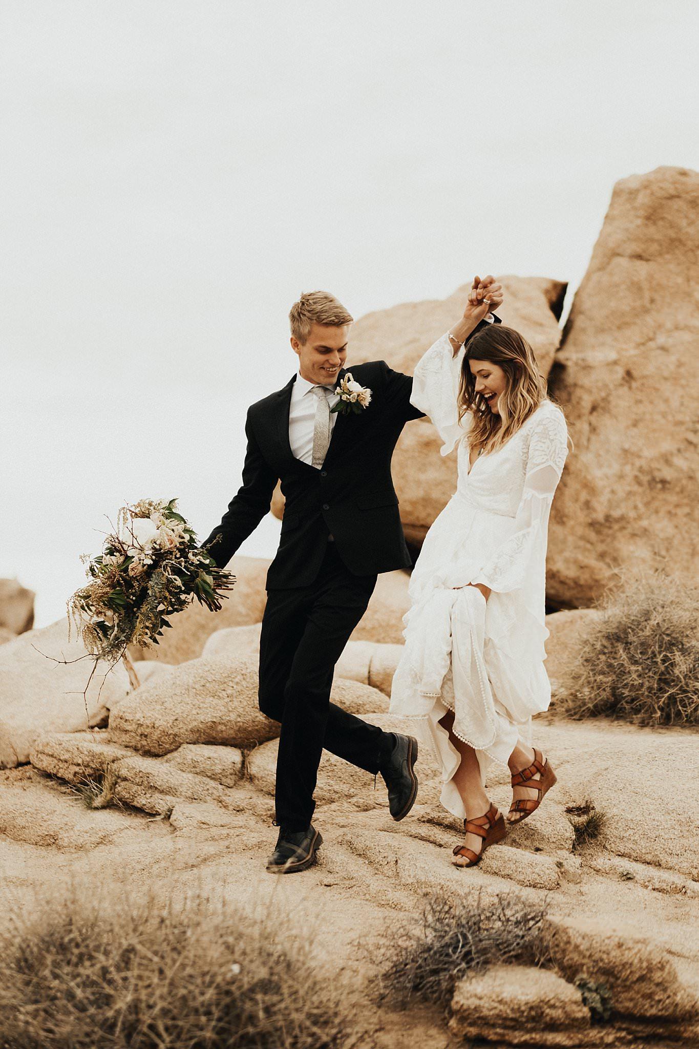 Bruidspaar tijdens hun elopement