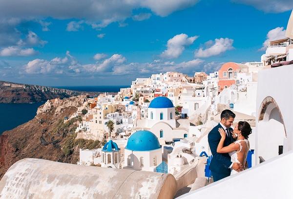 Santorini als een van de mooiste plekken om te trouwen