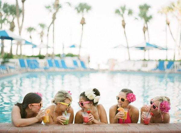 Vrijgezellenfeest in zwembad