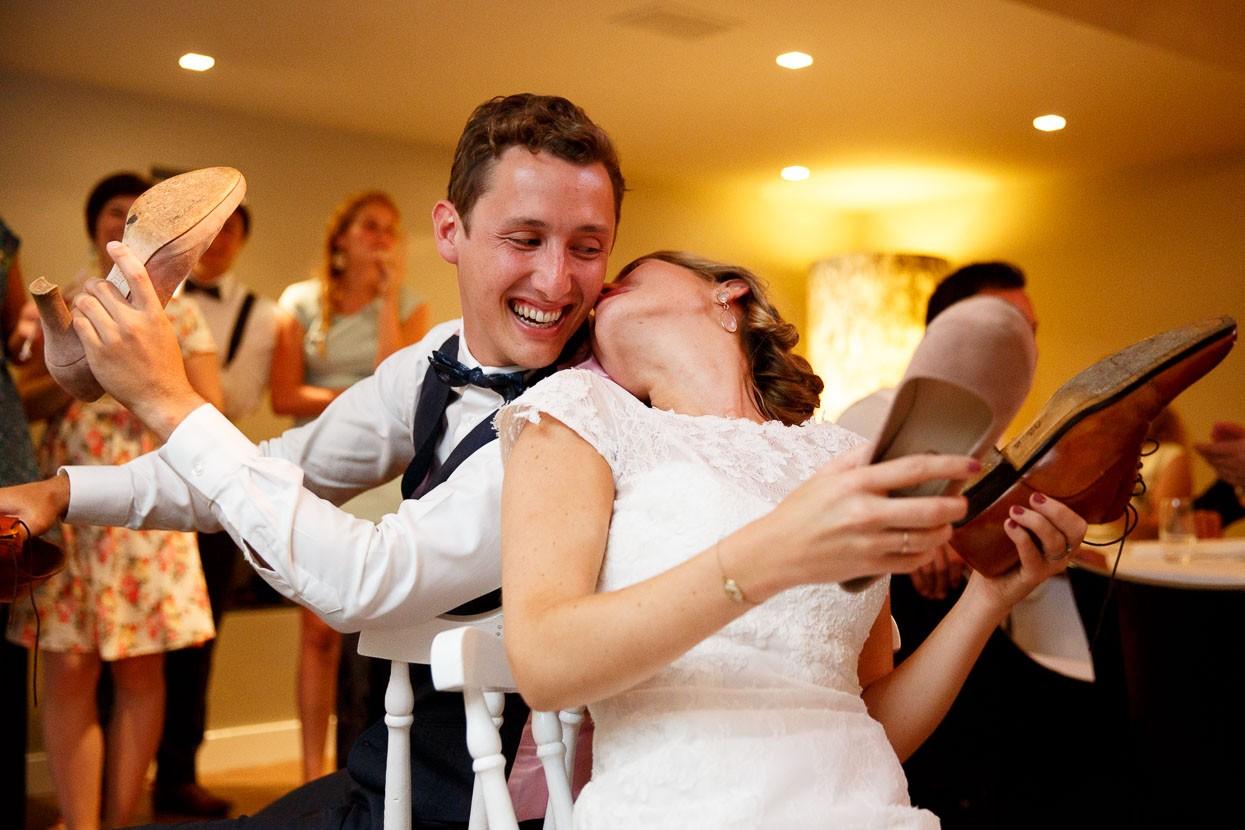 Schoenenspel bruidspaar