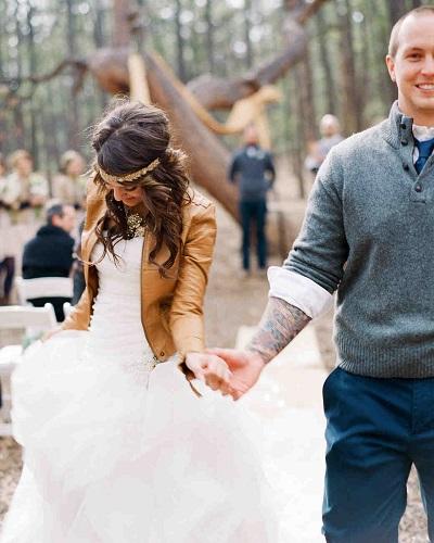 Bruid met leren jasje
