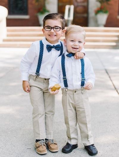 Jongens met strikjes bruiloft