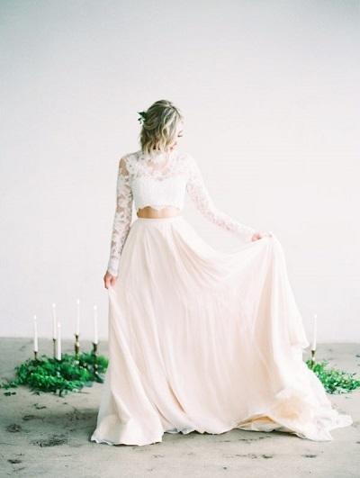 Roze met witte two piece trouwjurk