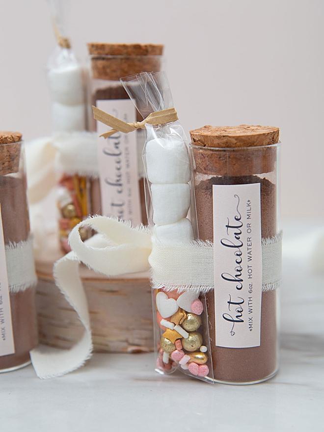 Warme chocolademelk als huwelijksbedankje
