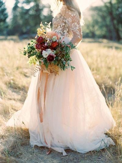 Licht roze jurk met wit bovenstukje