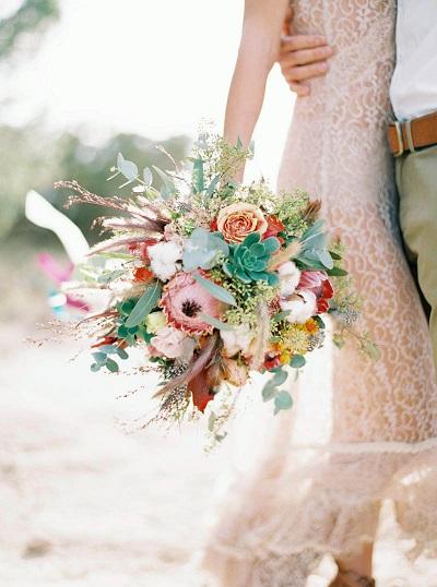 Opvallend bruidsboeket met vetplantjes