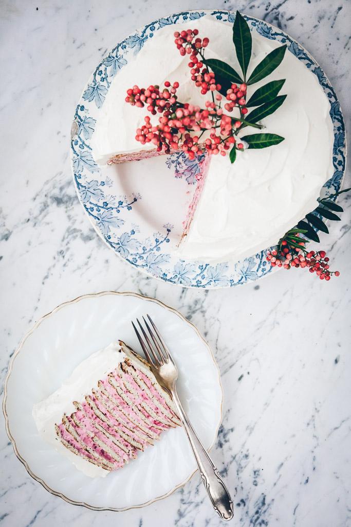 Pannenkoekentaart met roze laagjes