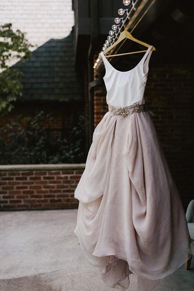 Bijzondere trouwjurk oudroze rok
