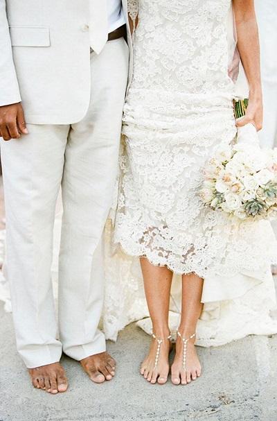 Bruidspaar in het wit