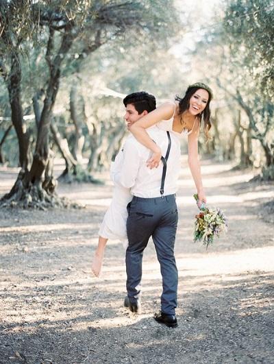 Bruidspaar maakt zich niet druk om verborgen kosten