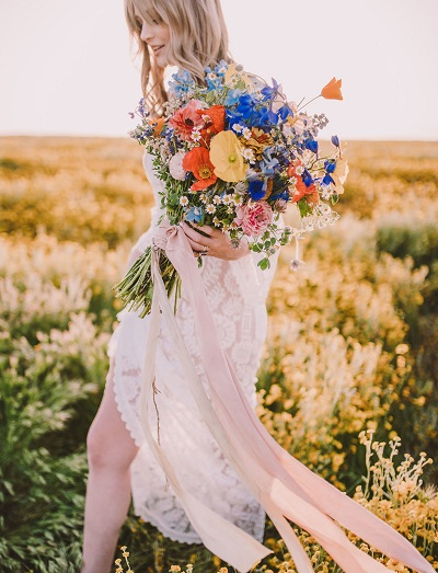 Zomerse bruidsboeketten