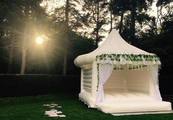 Springkussen kasteel bruiloft