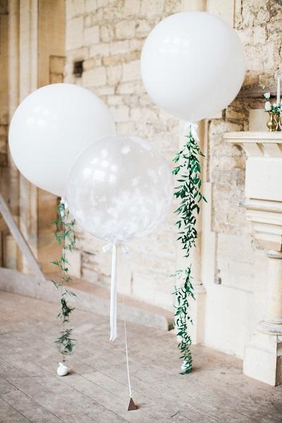 Grote ballonnen als bruiloft decoratie