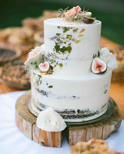Witte bruidstaart met vijgen