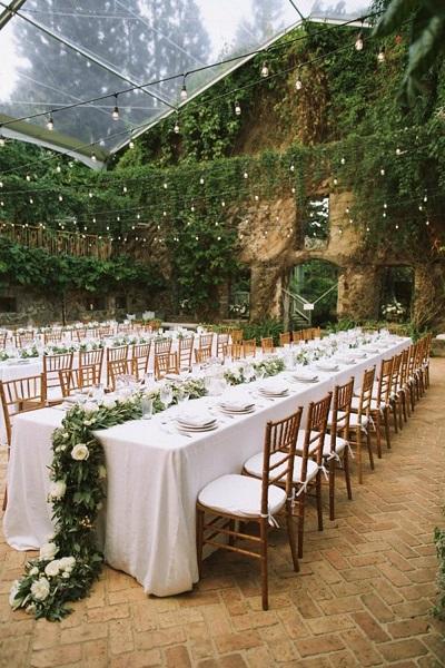 Transparante tent buiten bruiloft