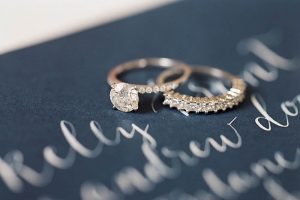 Setje verlovingsring en trouwring