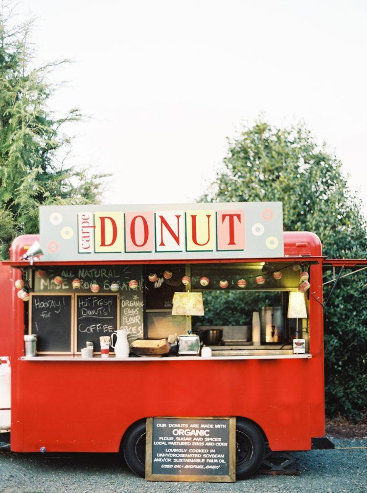 Donut foodtruck op bruiloft