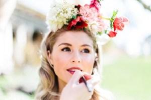 Lippen bruid worden bijgewerkt