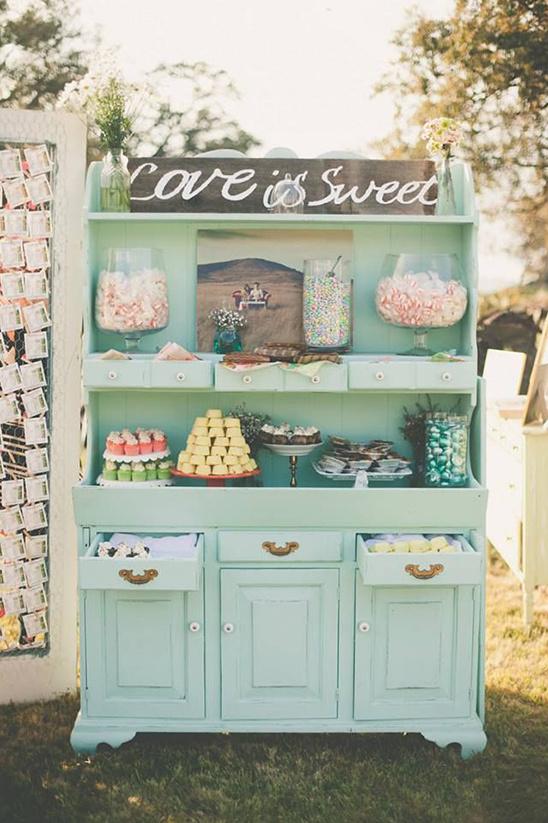 Candy bar in vintage kast