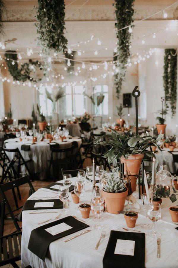 Planten als decoratie op een bruiloft