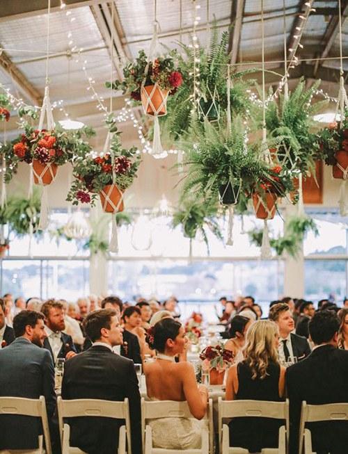 Hangplanten bij ceremonie