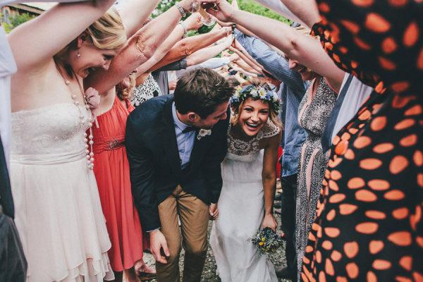 Bruidspaar en hun gasten