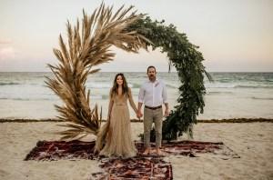 Backdrop bruiloft op het strand