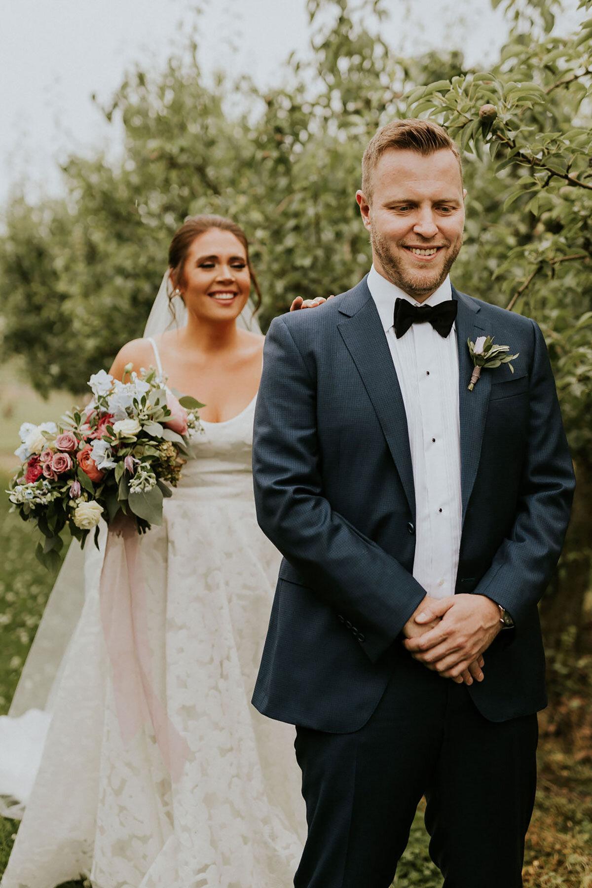 First look van het bruidspaar op de foto