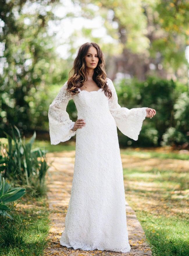 Bruid met vleermuis mouwen