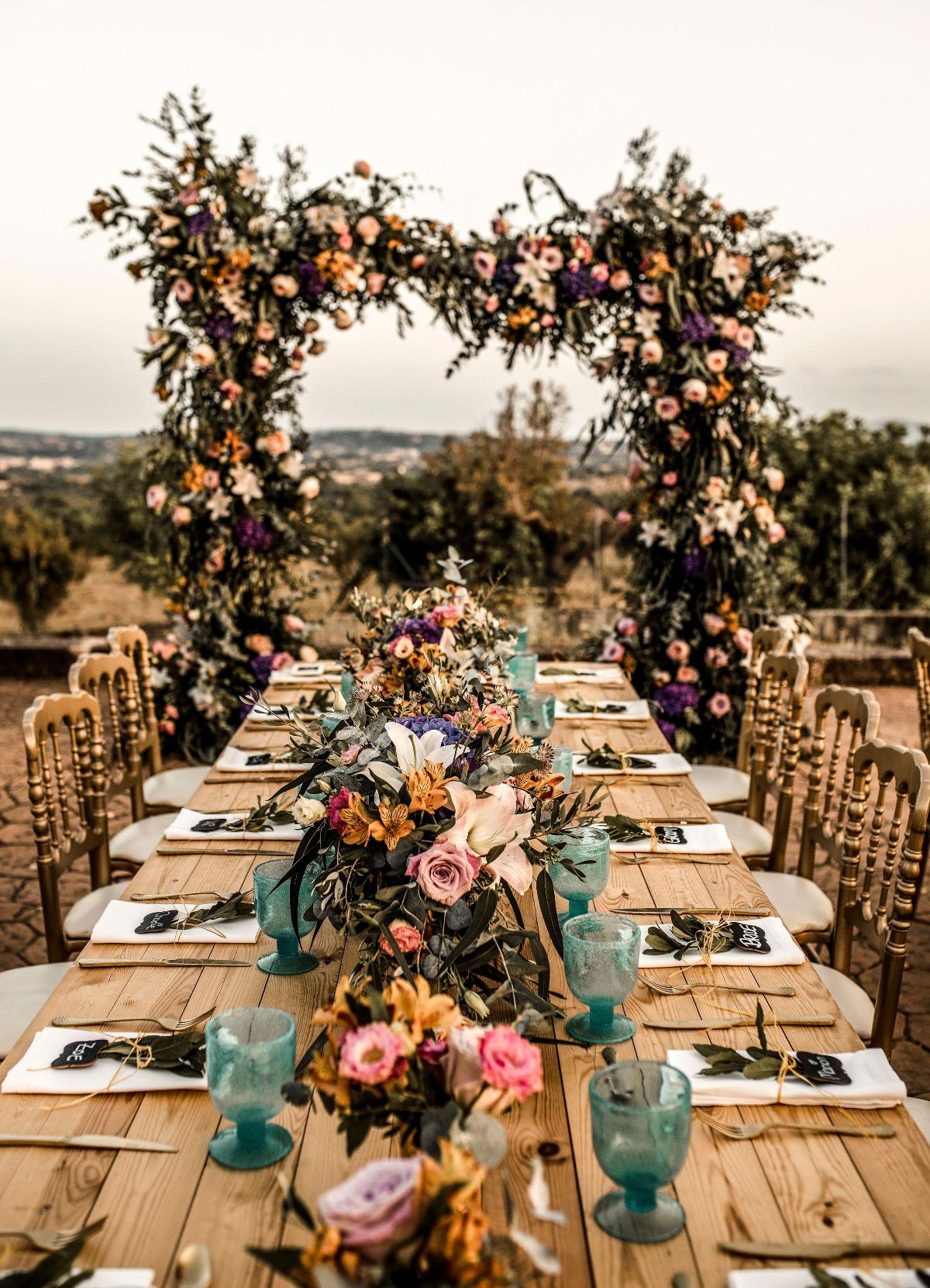 Tafeldecoratie met bloemen