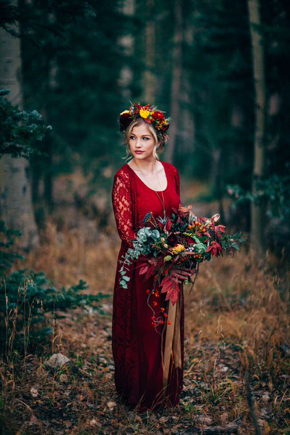 Bruidsjurk rood bruid