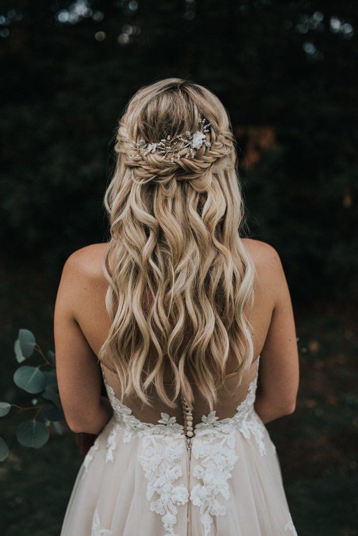 Bruid met half opgestoken haren