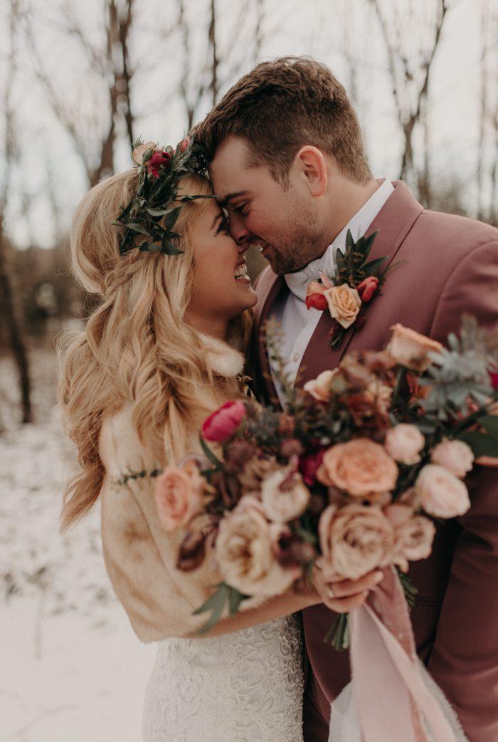 Foto's van de bruiloft delen met gasten