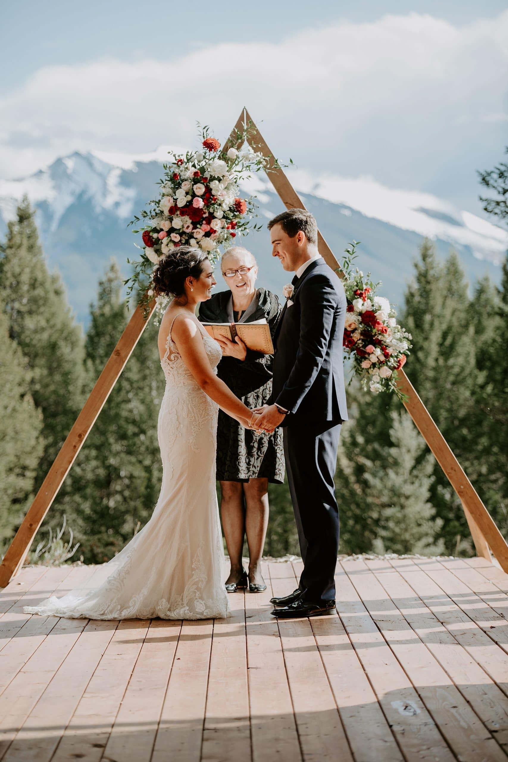 Ceremonieel huwelijk in de bergen