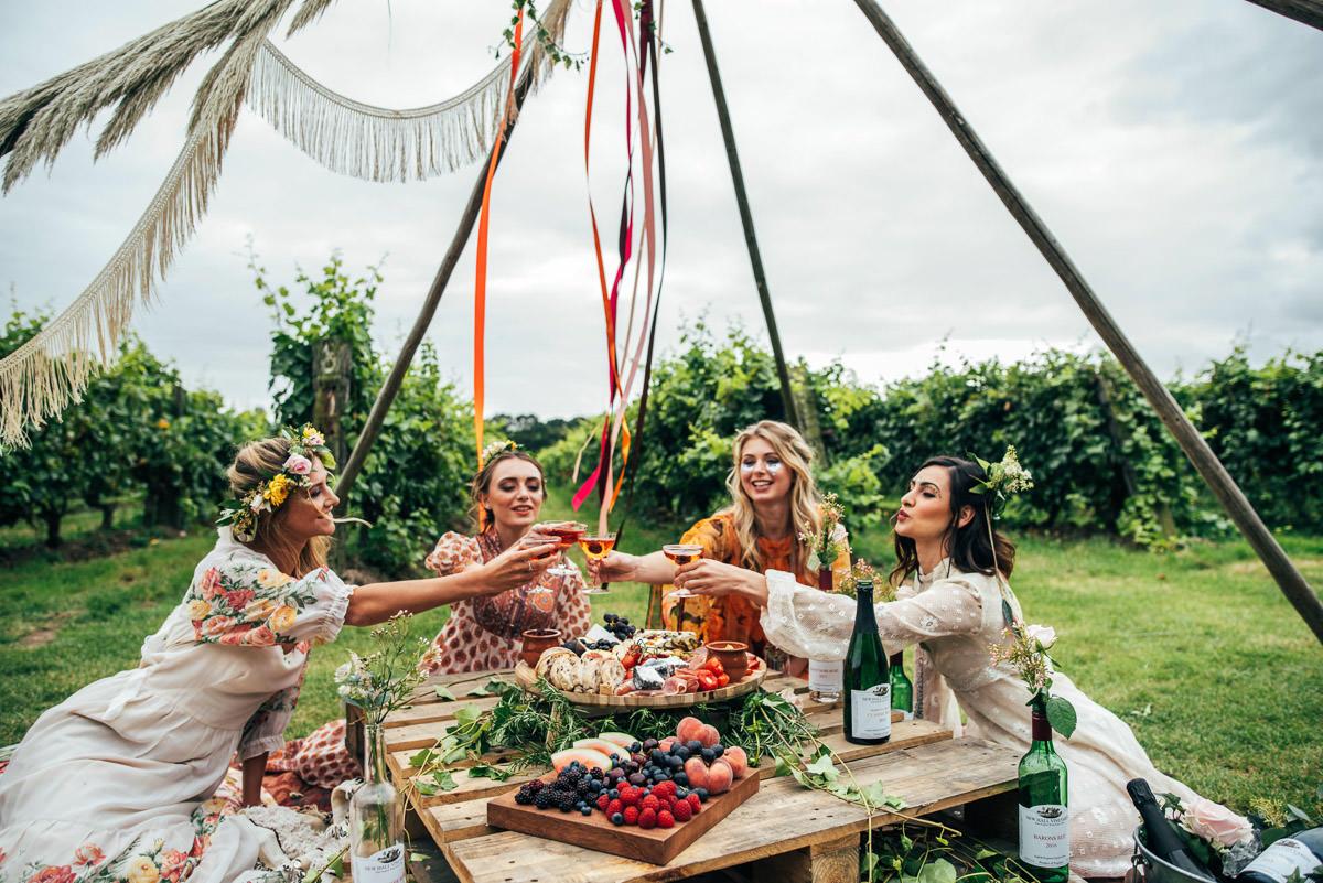 Bohemian vrijgezellenfeest met een picknick