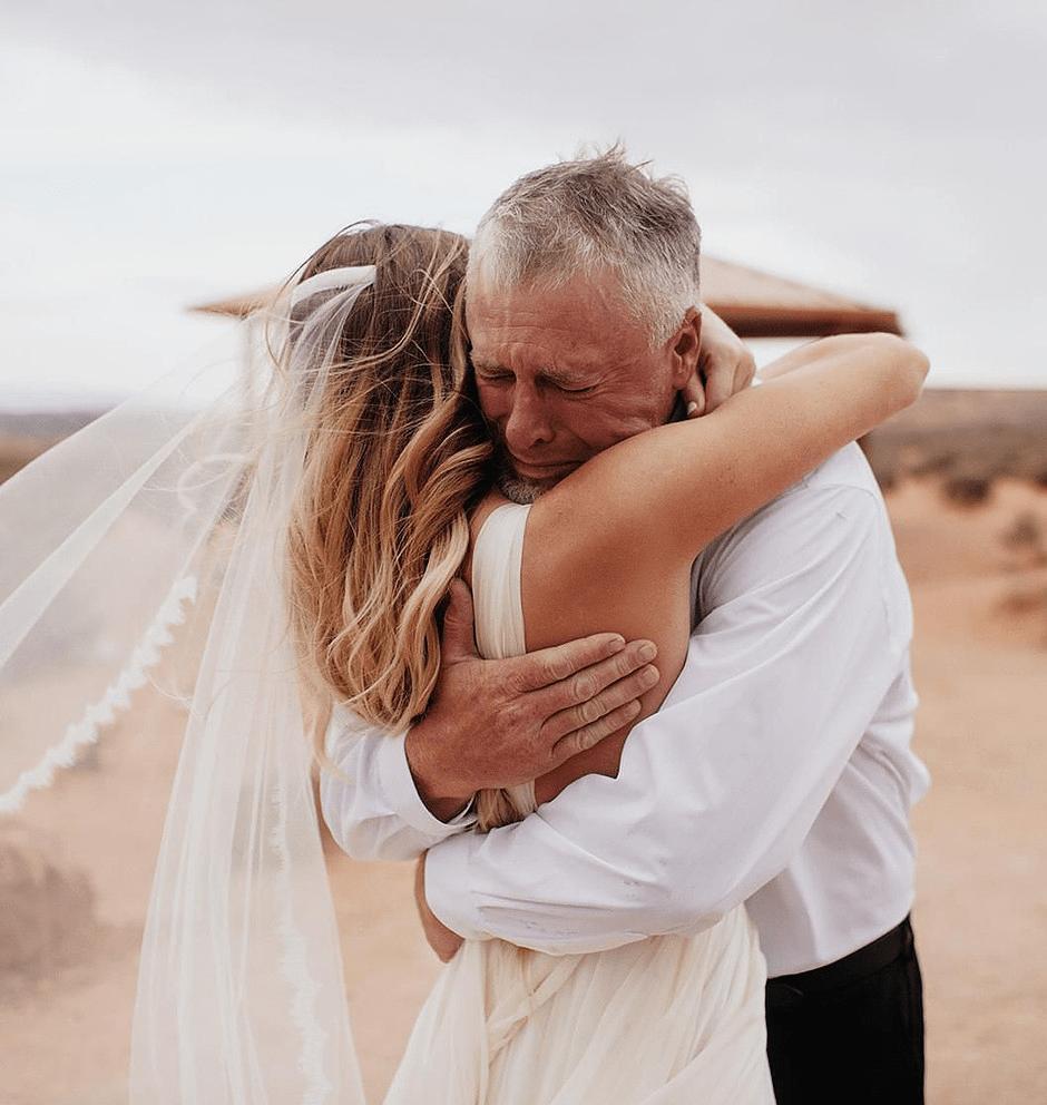 Hand vragen aan de vader van de bruid