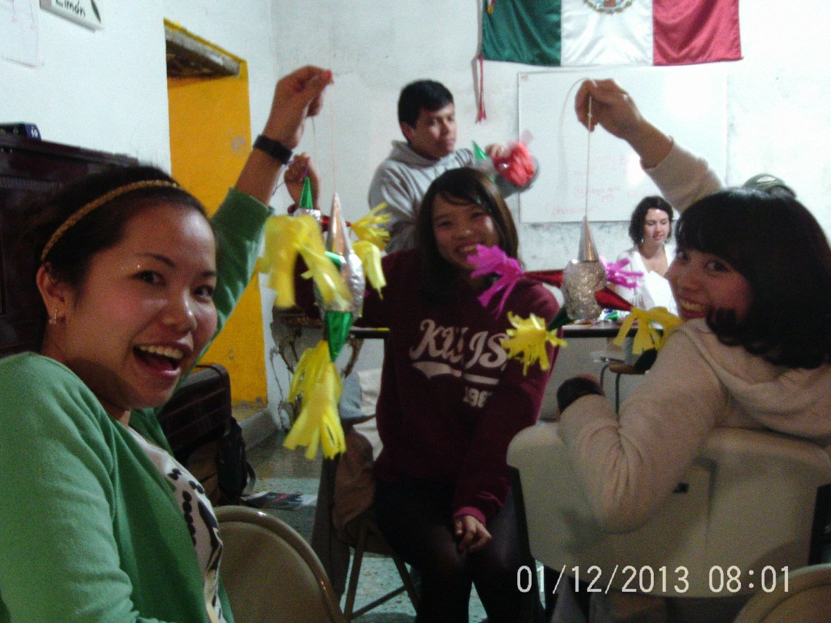 Making Piñatas at Escuela Falcon, Guanajuato Language School — By Jennifer Shipp