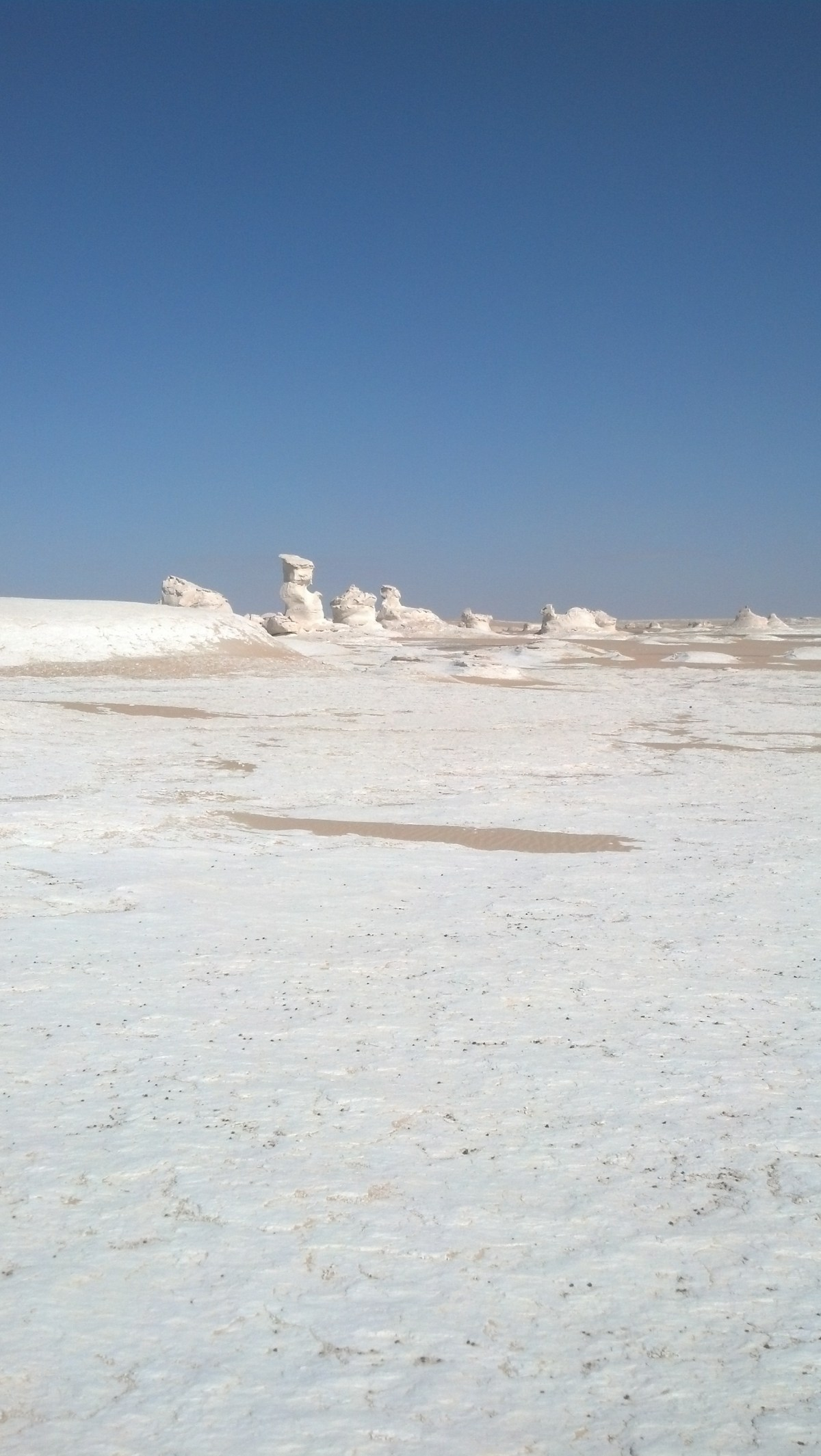 Places to Visit in Egypt: The White Desert