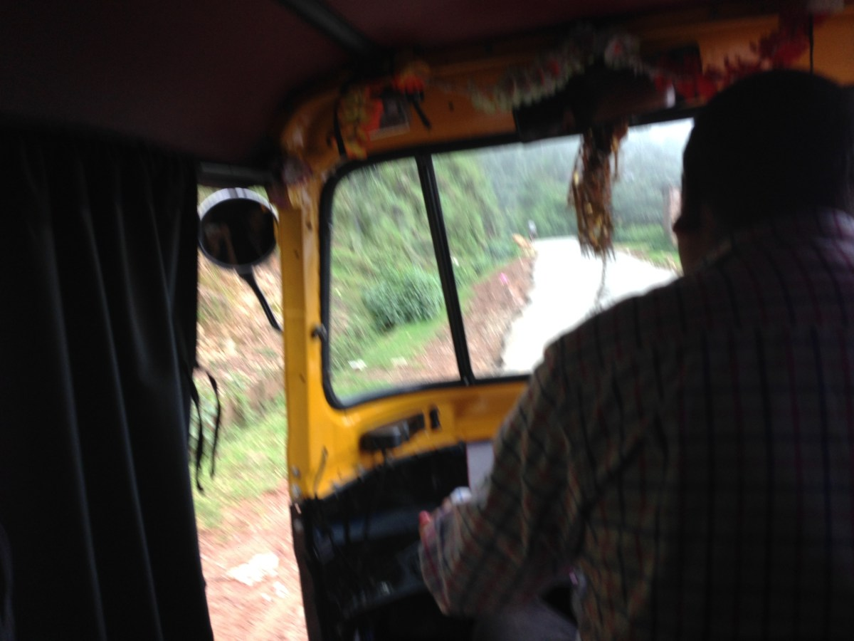 Mcleodganj: How to Get a Taxi or Tuk Tuk from Naddi Village to Mcleodganj