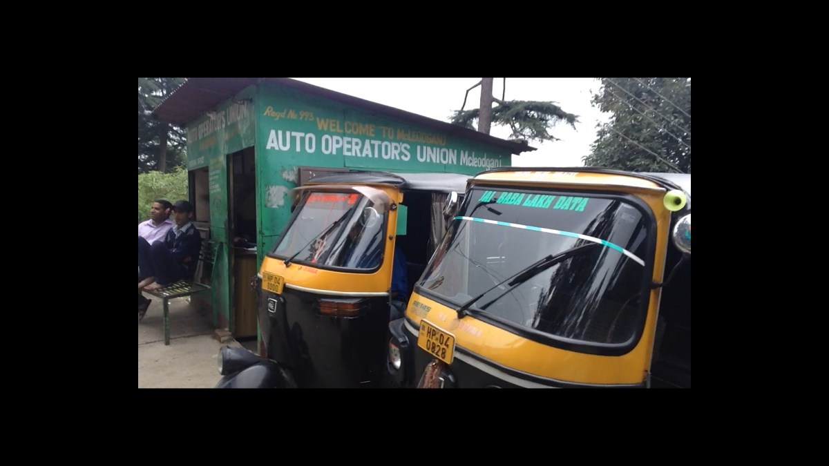 Mcleodganj: Tuk Tuk and Taxi Station at Auto Operator's Union