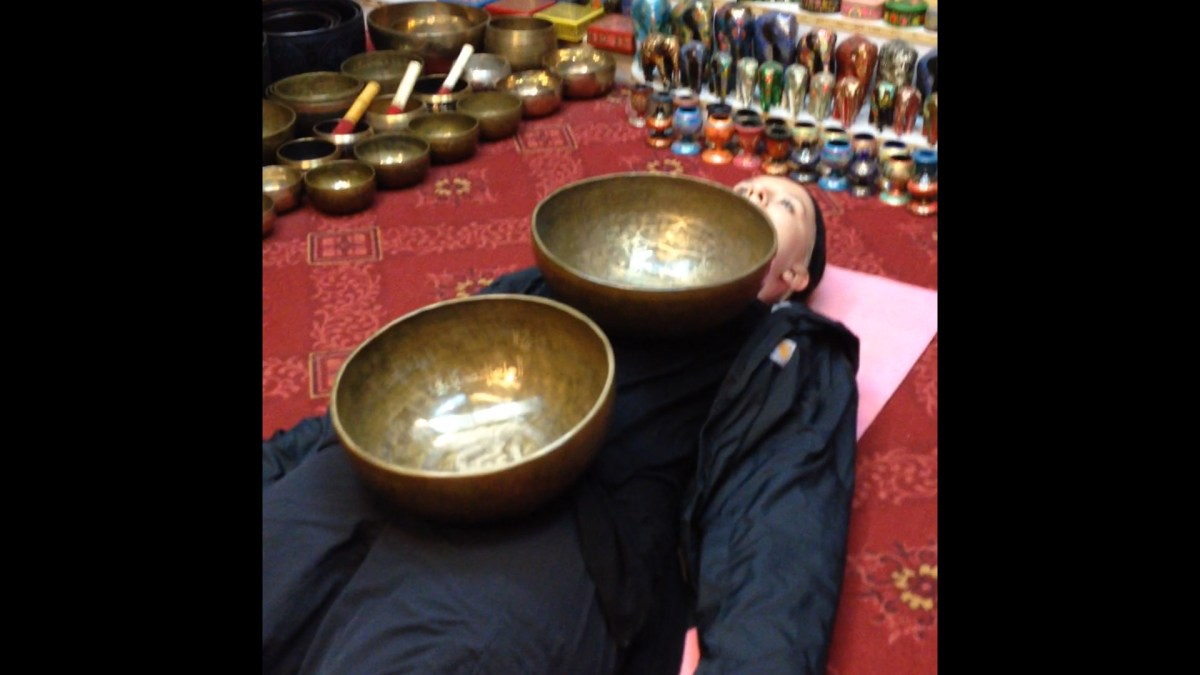 Jennifer Talks about Singing Bowls in India