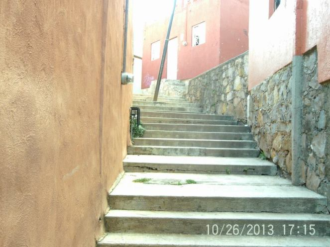 A stairwell that leads to an unknown location: a common sight in Guanajuato.