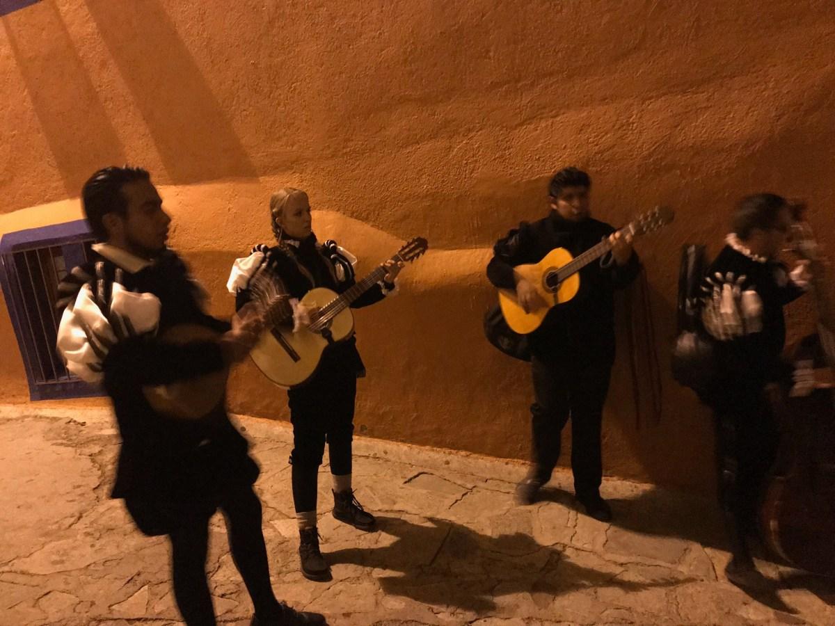 Callejoneada in Guanajuato