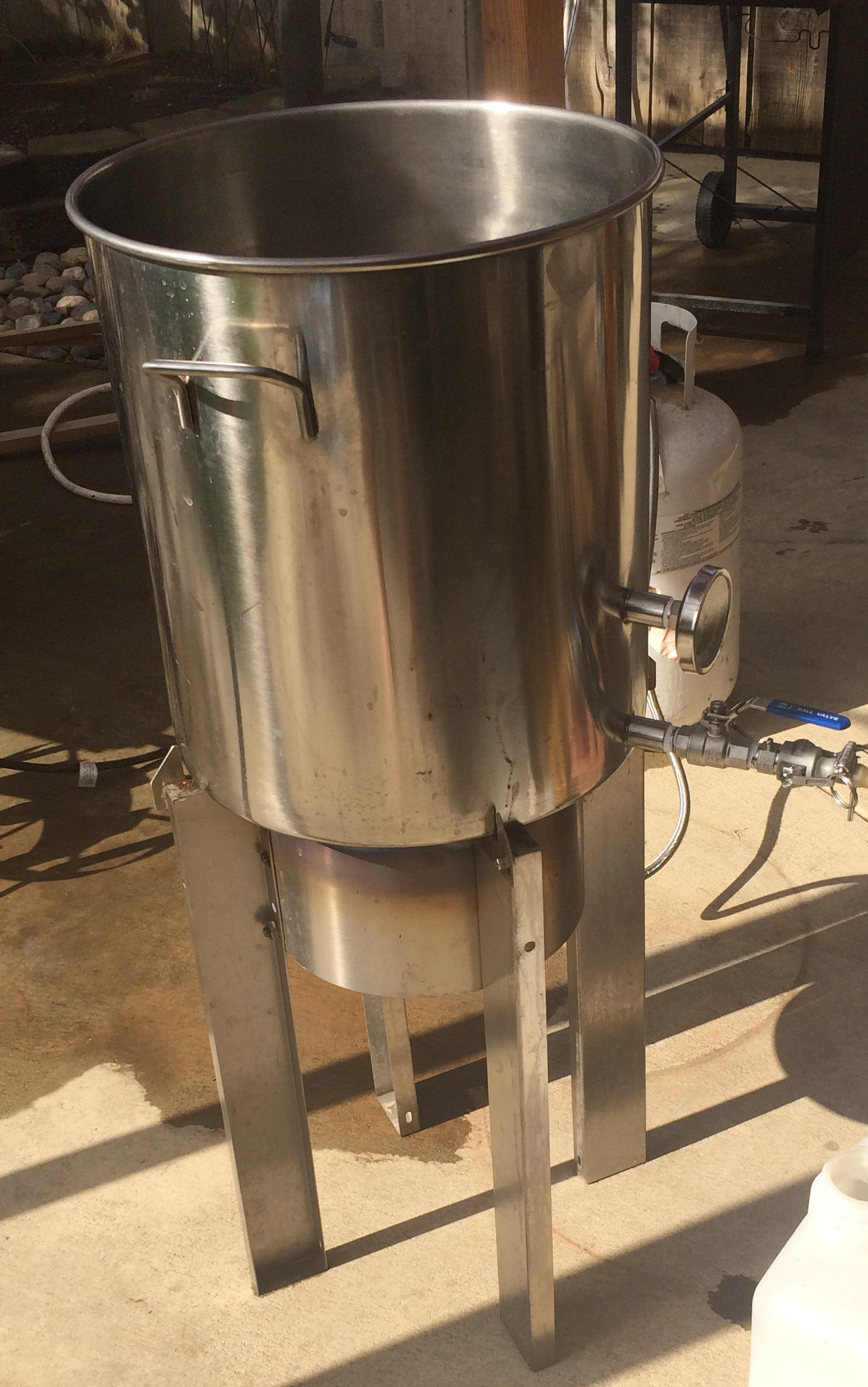 ... Blichmann Engineering Has Developed A Very Nice Floor Standing Burner  With A Similar 10u2033 Banjo That Can Be Modified To Sit 24u2033 Higher With The  Use Of ...