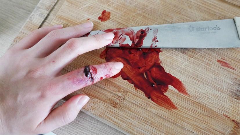 halloween_sangue_falso_bruna_fantasia_Como fazer massinha para maquiagem