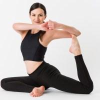 brunettelifestyle: Meine Erfahrungen mit Yoga Revolution von Yoga with Adriene