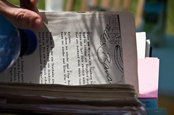 Foto: aufgeschlagenes Buch