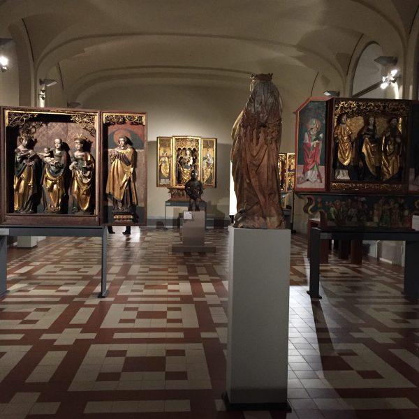 Bruno Claessens African Art Publications. Exhibitions. Auctions. Discoveries