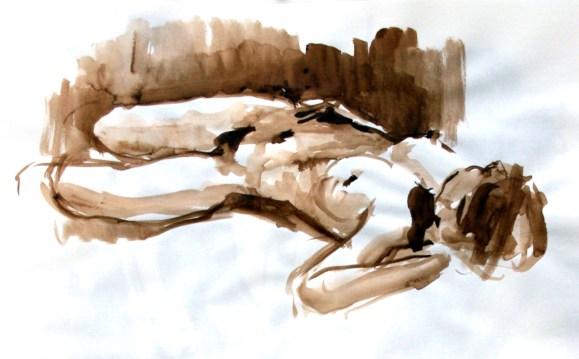 Fabienne allongée en raccourci