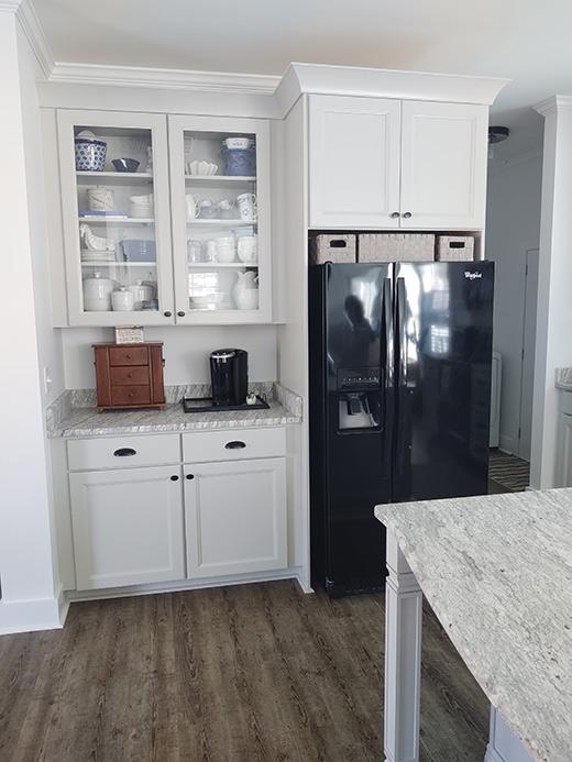 Beachy Neutral Kitchen Cabinets